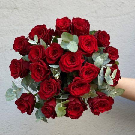 Rode roser med gront4